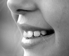 Sind die Weisheitszähne schuld daran, dass sich bei mir Zähne verschoben haben?